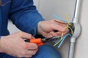 contratar electricistas en benidorm